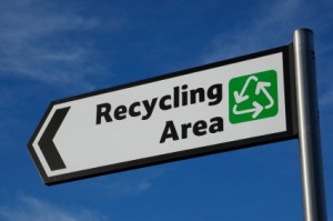 Picture of a sign pointing to a recycling centre